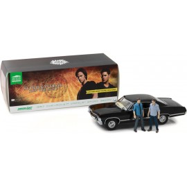 Supernatural 1967 Chevrolet Impala Sport Sedan with Sam and Dean Figures -1:18 Artisan Collection