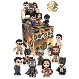 Mystery Mini Figures Display Batman vs Superman (12)